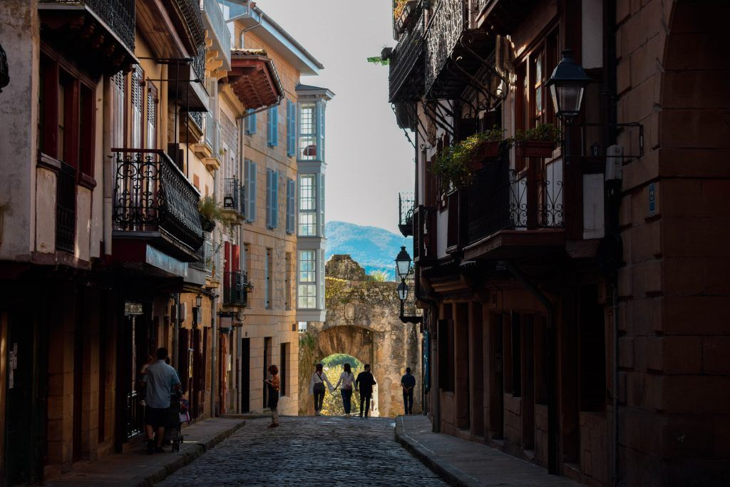 Calle mayor de Hondarribia (Kale Nagusia)