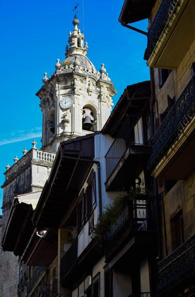 La iglesia de Santa María de la Asunción y del Manzano