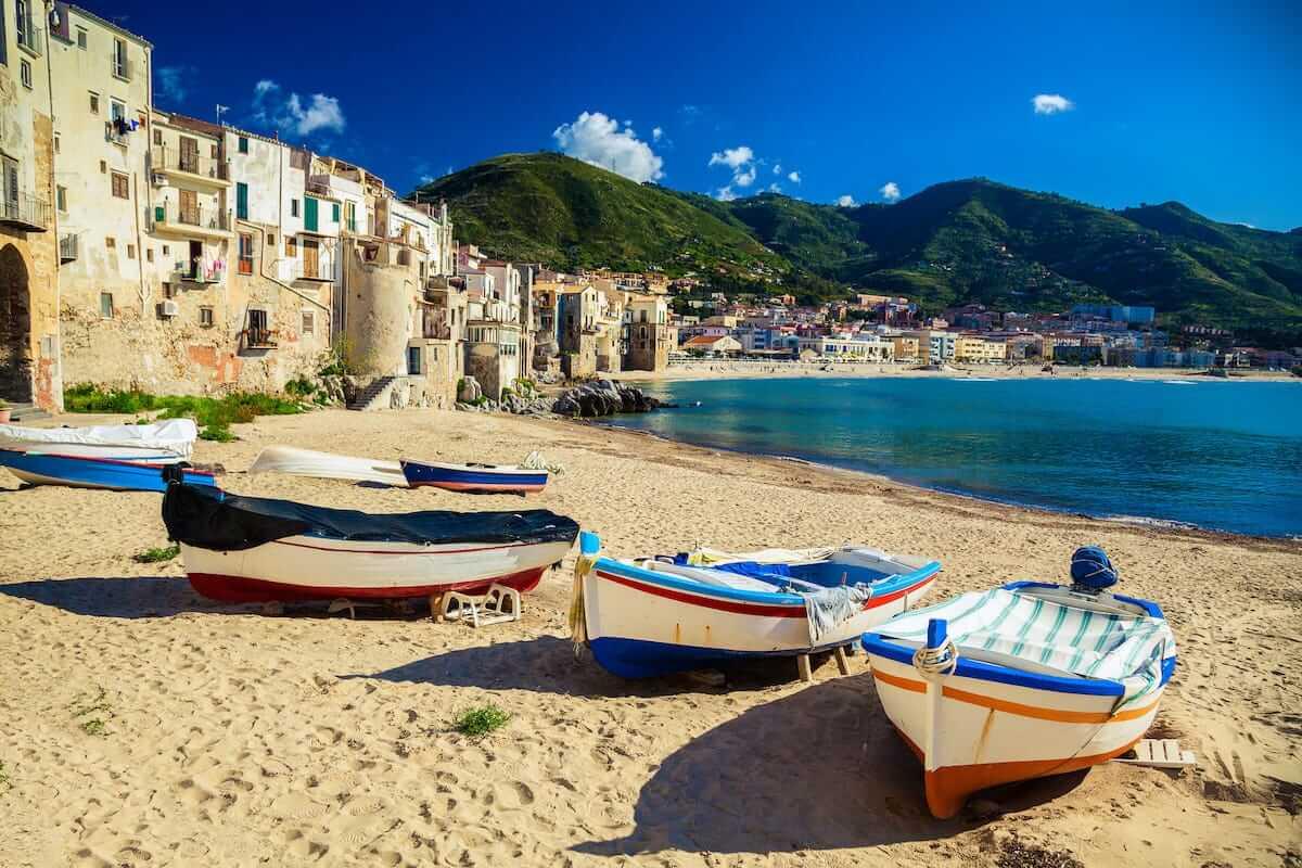 Italia pagará a turistas