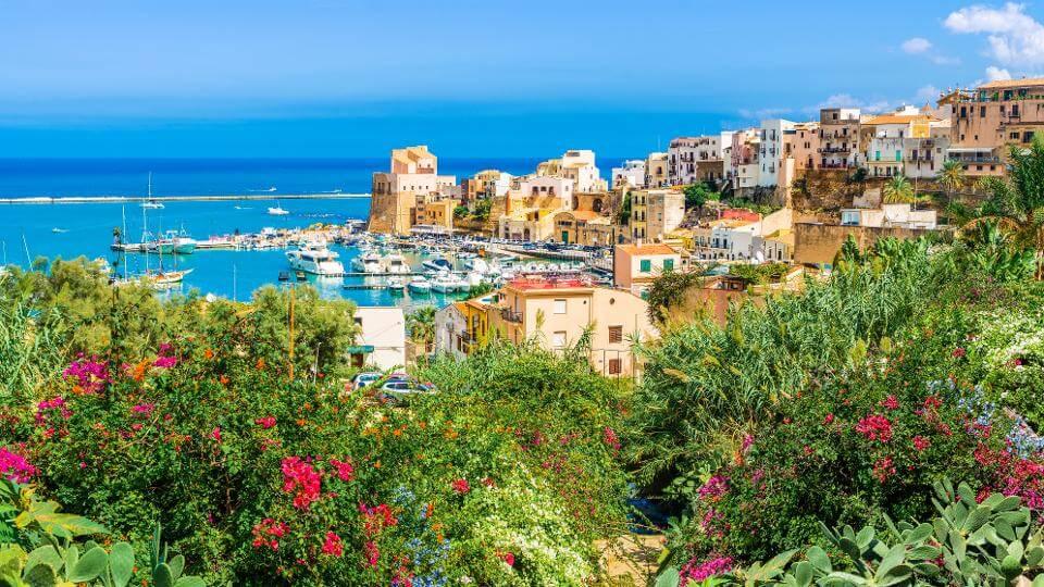 , Italia pagará a turistas la mitad del viaje y hasta un tercio de la estancia en hoteles de sus visitantes.