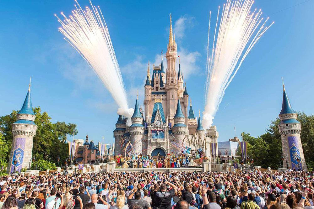 Los parques de Disney World reabrirán en 2 fases y el grupo de trabajo del parque de Florida ha establecido algunas pautas