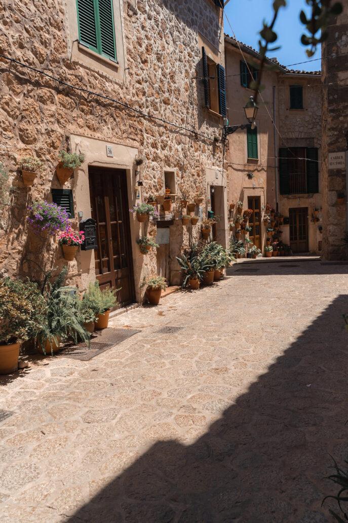 Calle de la Rectoría y Casa natal de Santa Catalina Thomas